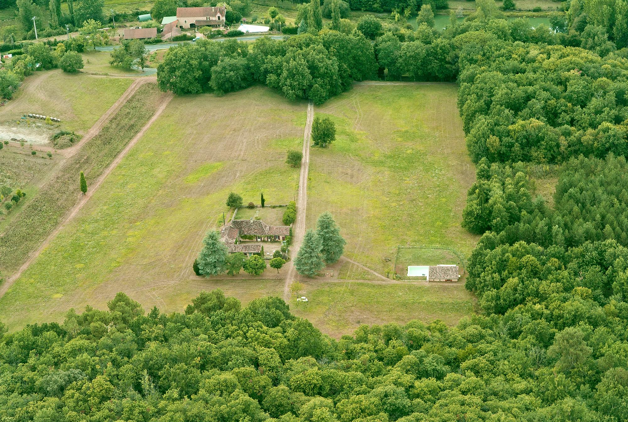Les hauts champs vue du ciel maison ancienne de charme for Photo vue du ciel de ma maison